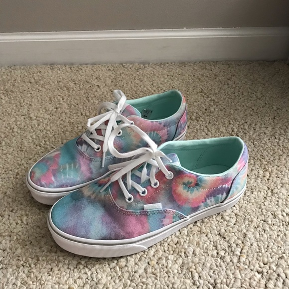 Women's Van's Doheny tie dye multicolor sneakers 8